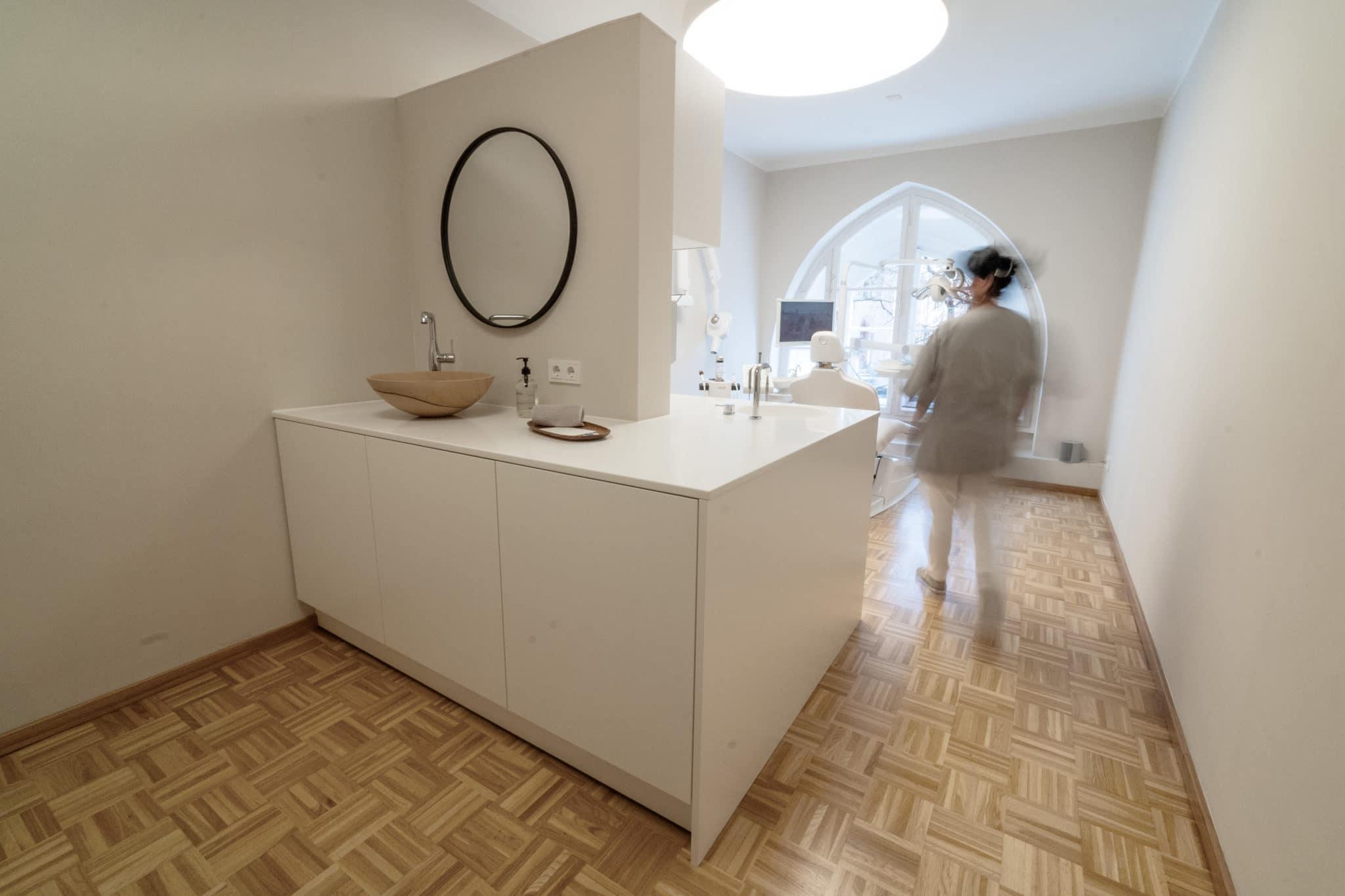 Behandlungsraum Zahnarztpraxis München Maximilianstrasse